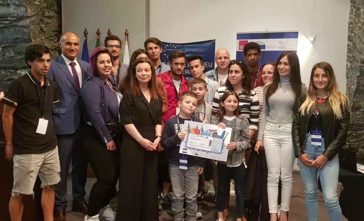 """Escola Padre Manuel Álvares ganha """"curtas"""" na Europa e Escola de Machico vence Olimpíadas"""