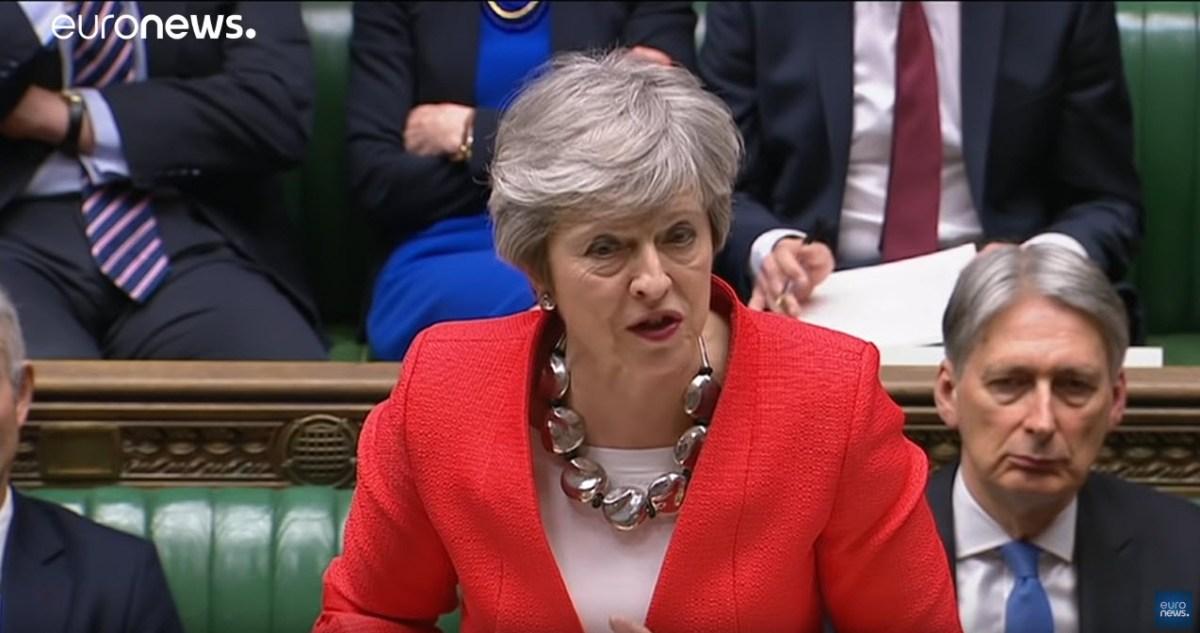 Theresa May demite-se
