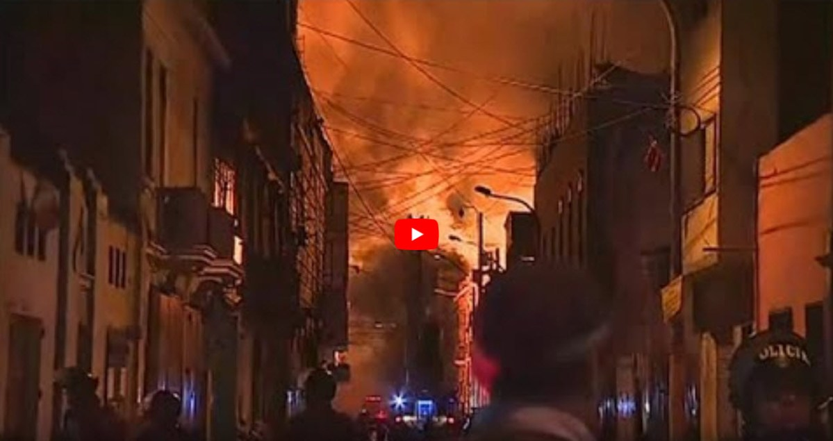 Incêndio de grandes dimensões assola centro histórico de Lima [vídeo]