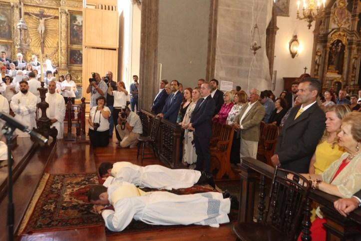Padres ordenação novas B