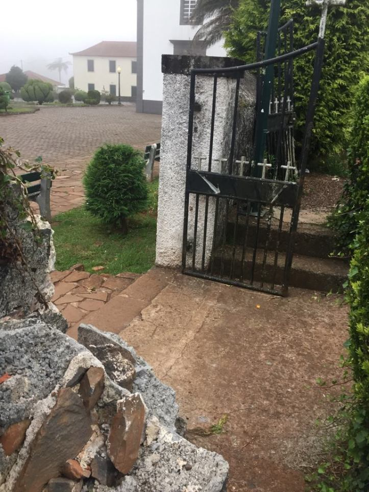 Santo da Serra cemitério A
