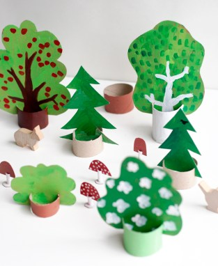 Idee Craft Forestale con TP Rolls e cartone