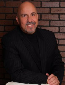 Dr. Mark Guariglia treats patients with autoimmune disease and chronic pain
