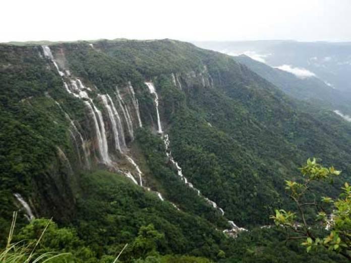 top-10-rainiest-places-on-earth-cherapunji