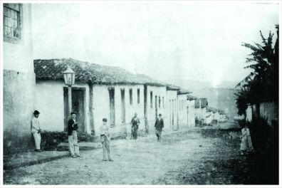 Rua Presidente Antônio Carlos esquina com Rua Presidente Alvaro Costa. Início do séc. XX. 1904.