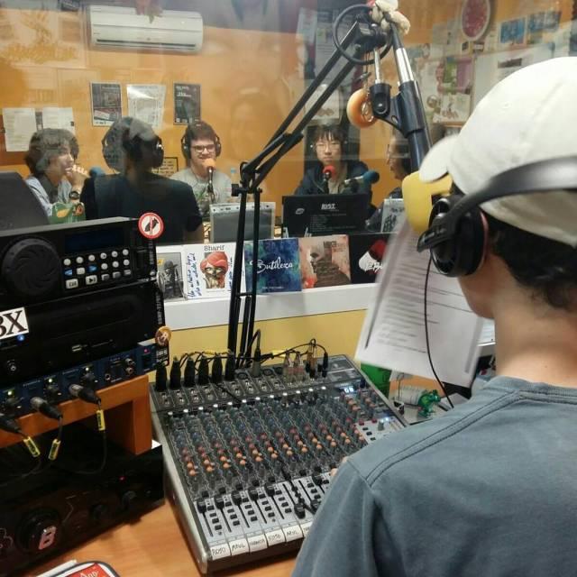 Educafriends fent Radio! Els alumnes de Batxillerat portaven dies treballanthellip