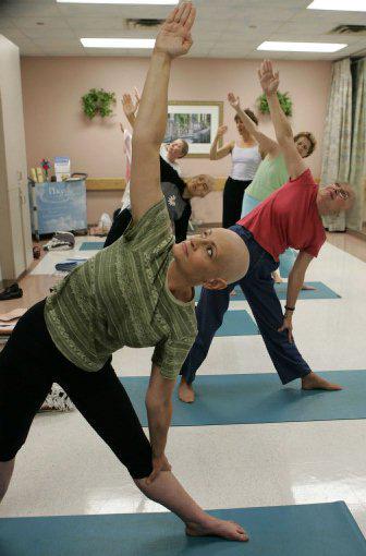 Yoga para pacientes de cáncer – byc inspiration 12f3996990e1