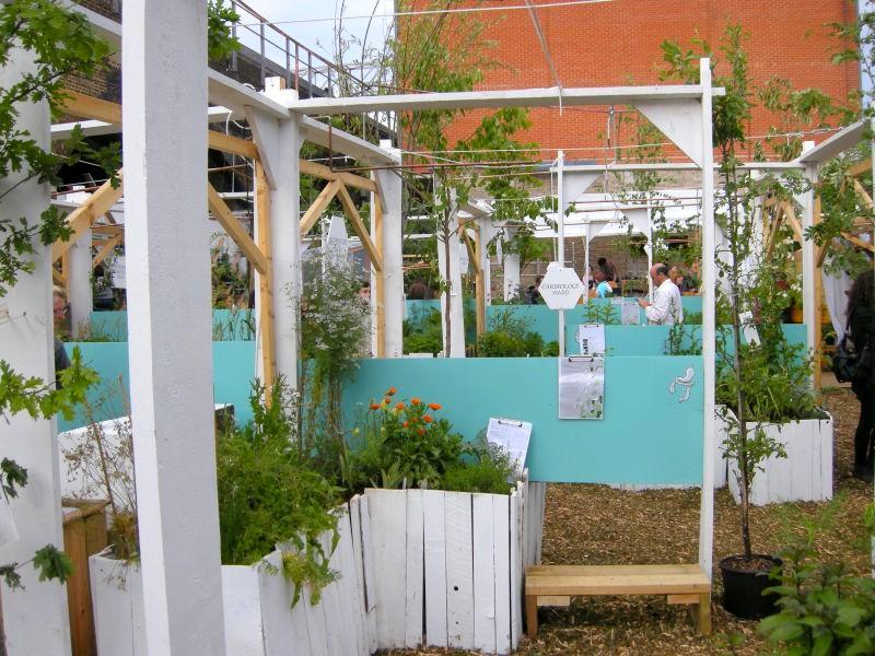 ogród społeczny w londynie - widok z boku
