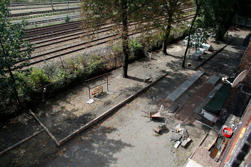 ogród społeczny plac na glanc Czarnieckiego - widok z góry placu przed