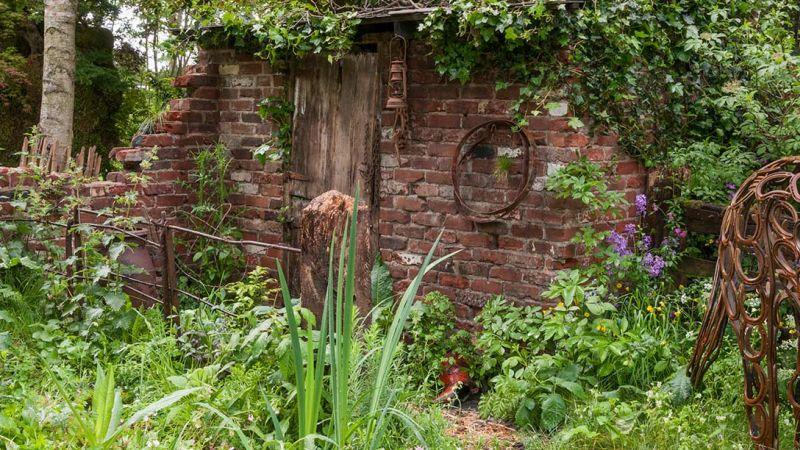 szopa, zdjęcia, pseudo stajnia dla koni w ogrodzie