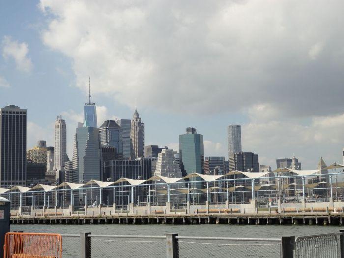 Manhattan from Brooklyn Bridge Park. NYC, USA
