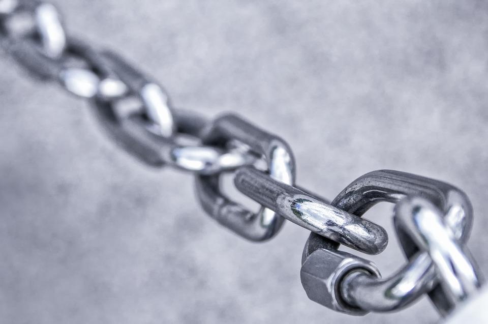 La cadena de valor de la RSC: INECO dona material informático a Fundtrafic
