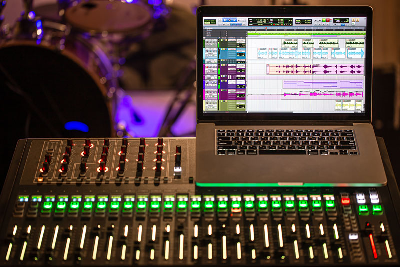 Can a Mixer be Used with an Audio Interface? (Answered) 2