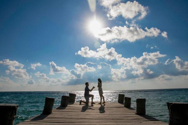 Matt Grace Puerto Morelos Proposition 4 1024x683 - 8 mots de conseils d'un photographe de fiançailles de Tulum