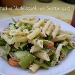 Sommerlicher Nudelsalat mit Sesam und Bohnen