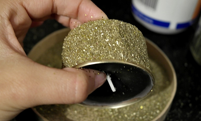 Upcycling - Kerzen mit Glitzer bekleben