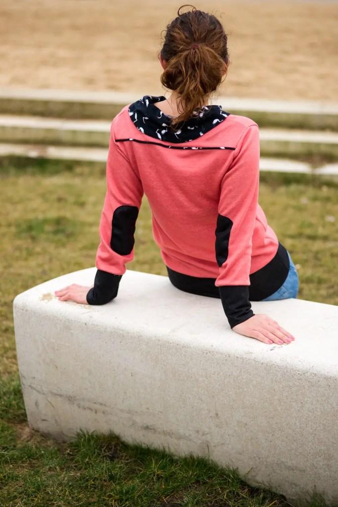Einfachen Pullover nähen mit Kragen, Passe und Armpatches