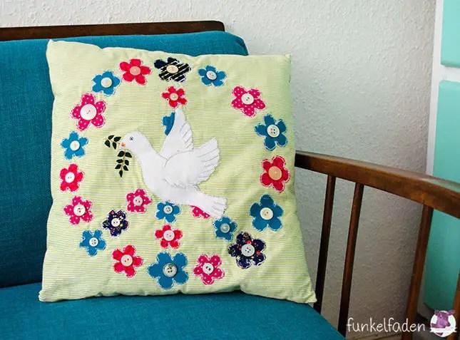 Peace - Kissen nähen mit Friedenstaube und Blumen