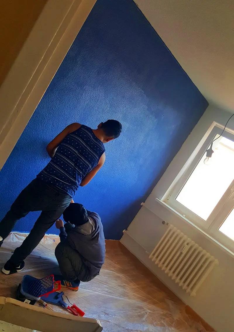 Wand anmalen in Jeand Denim