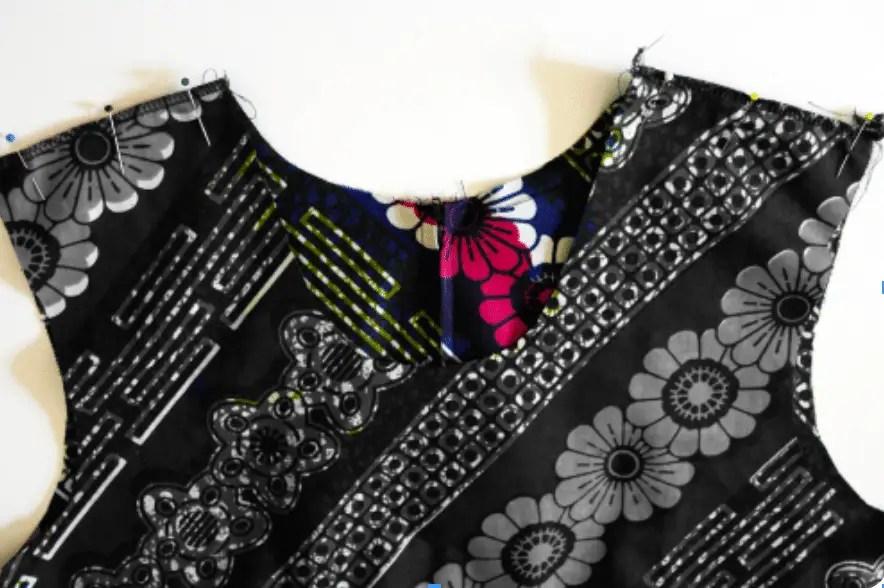 Kleid nähen - Schulternähte schließen