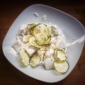 getrocknete Zucchini mit Schafskäse