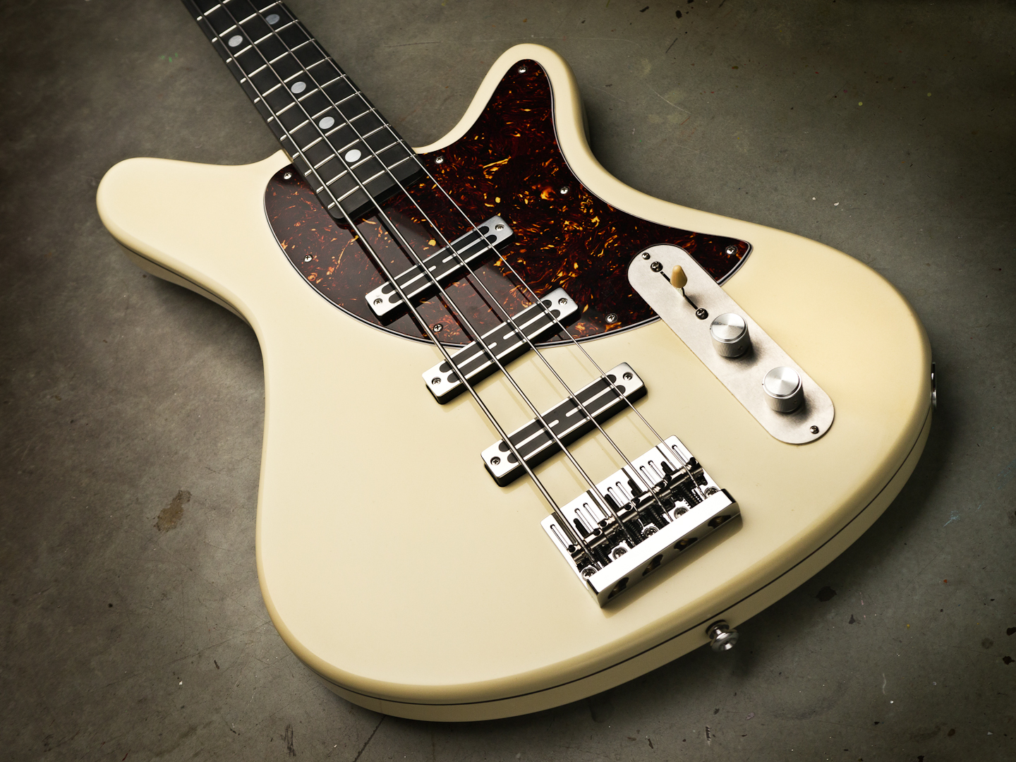 Sirena Pistolera Bass in buttercream yellow
