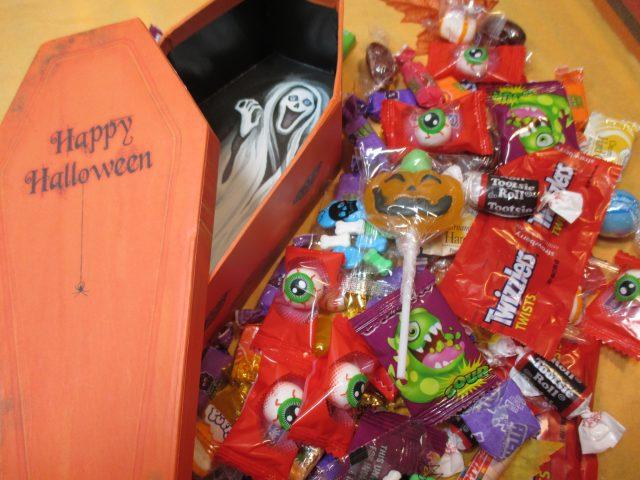 Halloween Candy Box - Scream Ghost Coffin