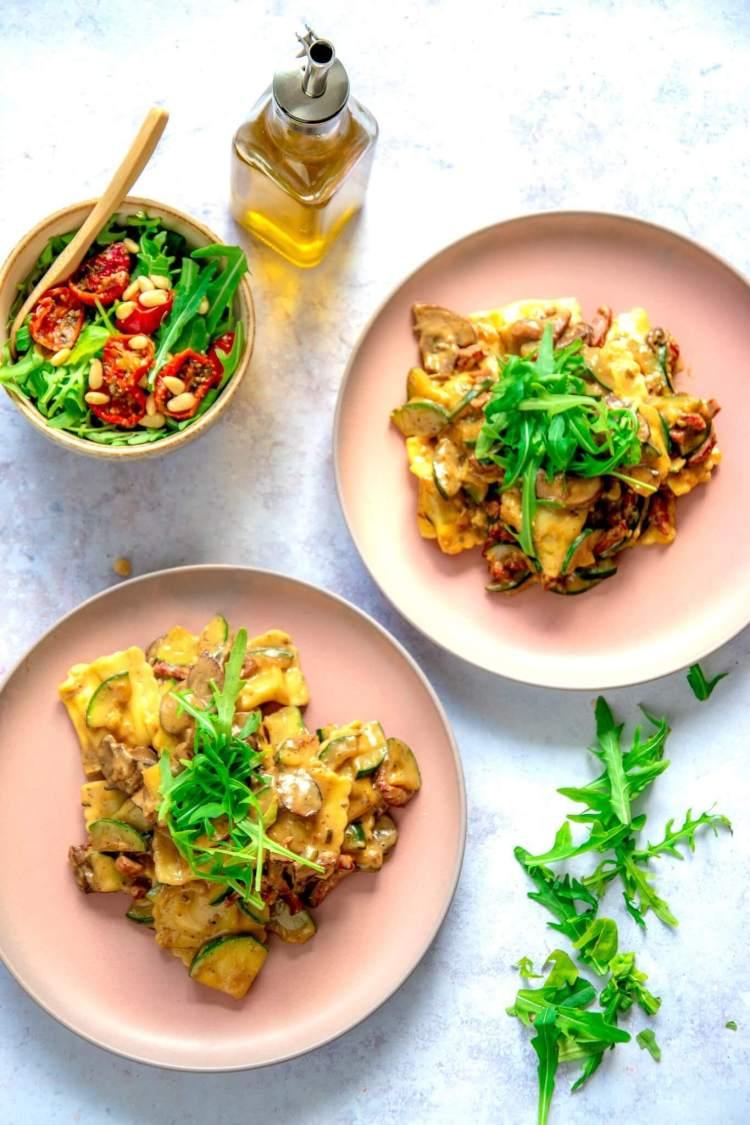 Pasta met champignonoomsaus