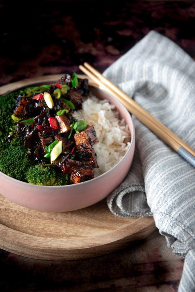 Pittige zwarte peper tofu van Ottolenghi