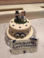 mr and mrs nettleship wedding cake