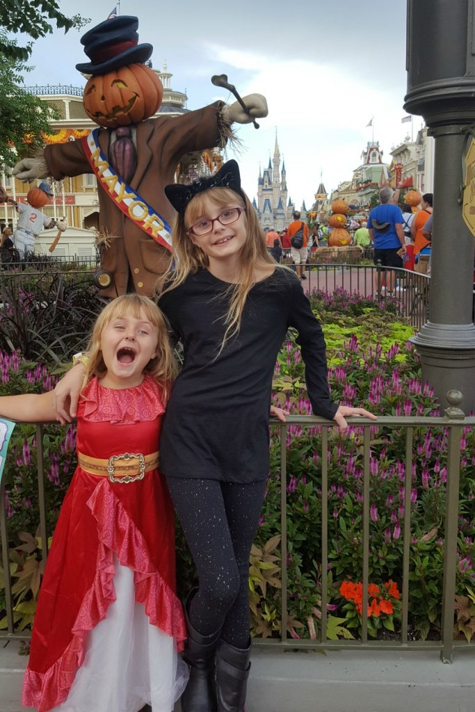 Disney's-not-so-scary-halloween-girls-costume