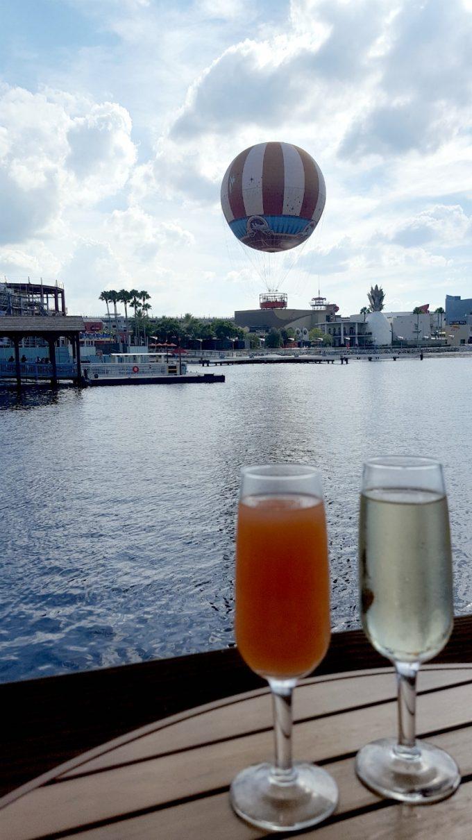 Disney-Springs-drinks