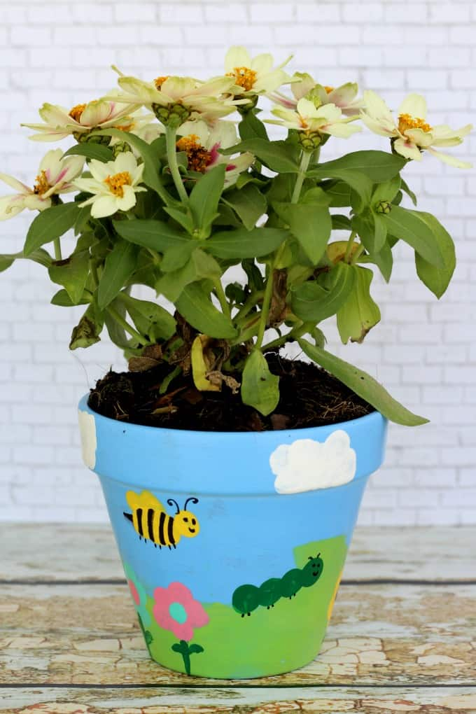 From butterflies to bumblebees, there's no end to the flower pot painting ideas you can come up with