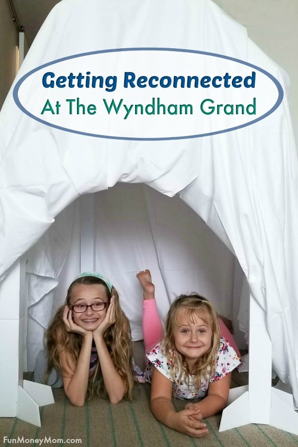 Family vacation - If you're planning a family beach vacation, you'll want to check out how the Wyndham Grand Clearwater Beach is encouraging families to disconnect from electronics and reconnect with each other! You and your family will make memories to last a lifetime on your next Florida vacation! #GrandReconnected #Wyndhampartner #floridavacation #familyvacation