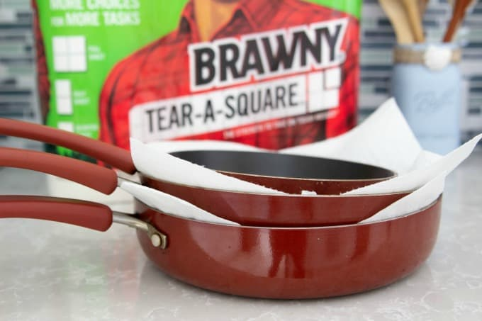 Using paper towels to protect non-stick pans