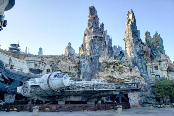 Millenium Falcon at Galaxy's Edge