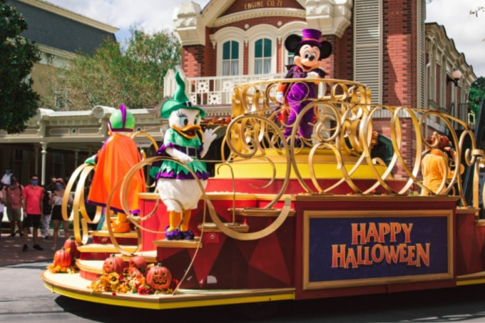 Mickey's Happy Halloween Cavalcade