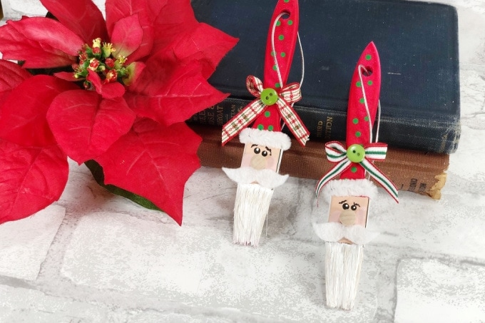 Paintbrush Santa Ornament feature