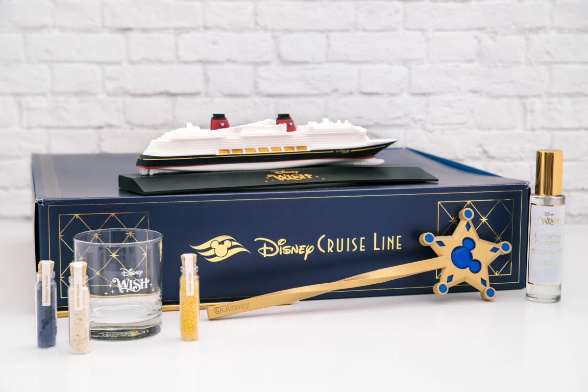 Disney gift box with Disney Wish replica