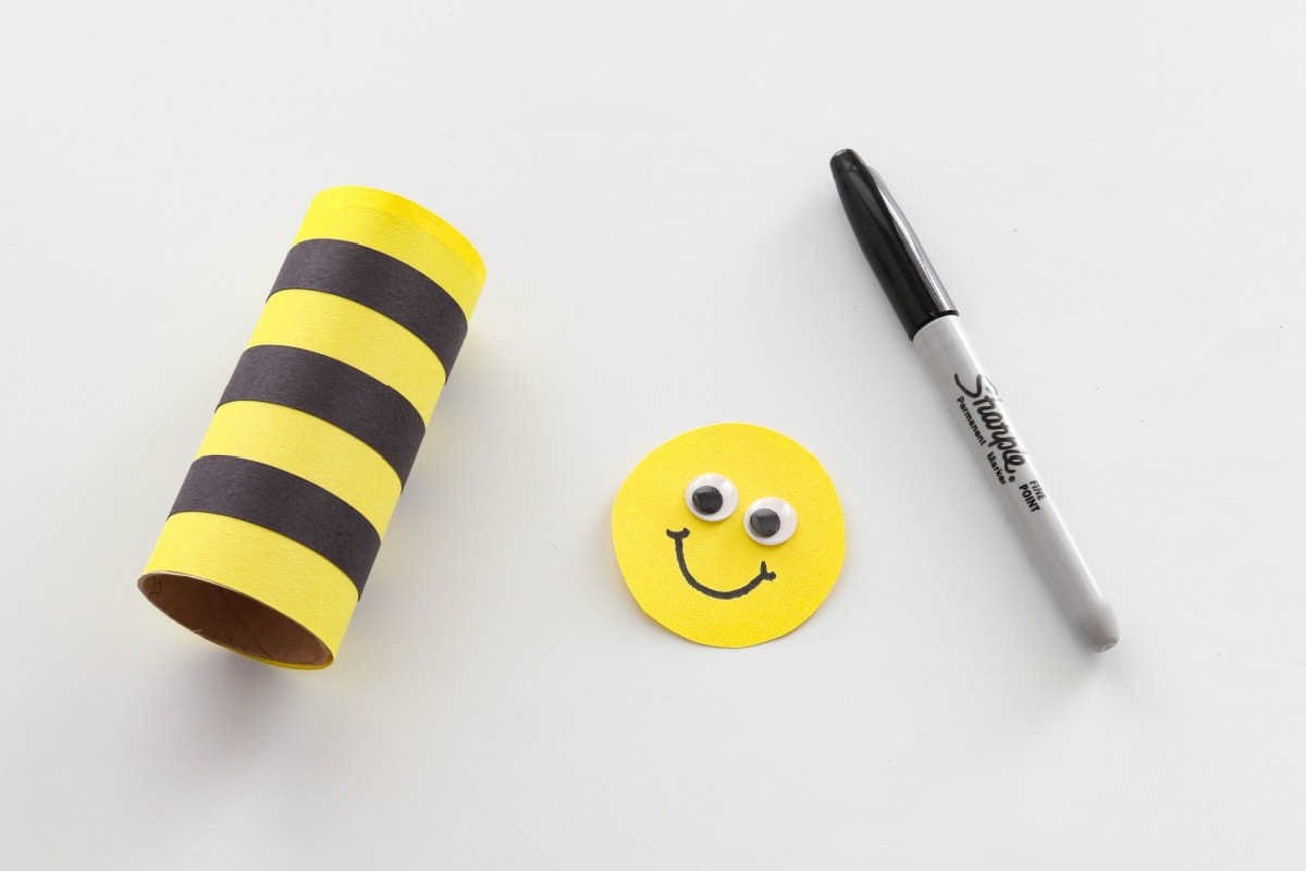 Body and head for Toilet paper roll bumblebee craft