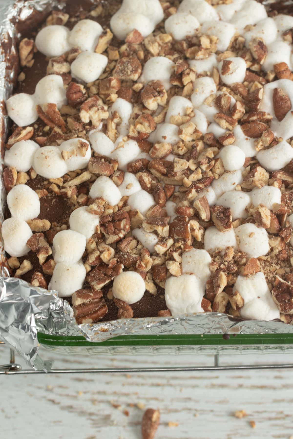 Marshmallow and pecan topping for mud cake