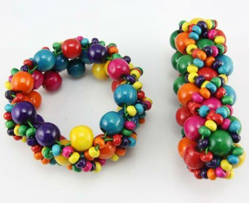 Children's bracelet from beads and beads