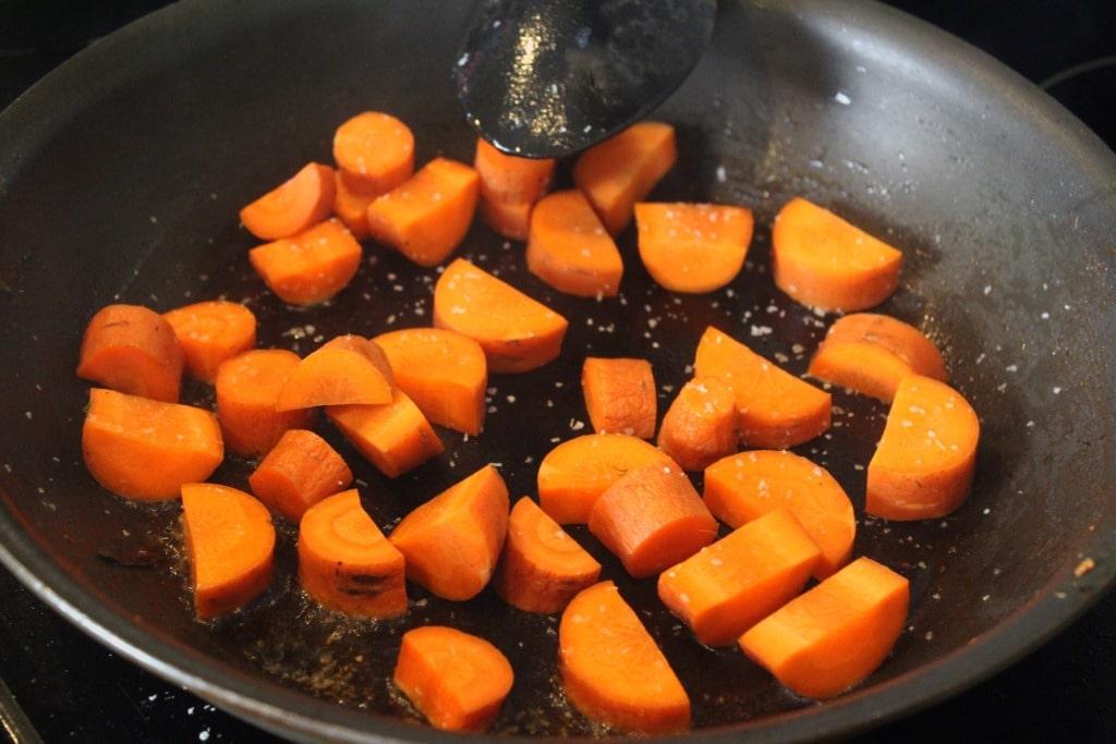 Start carrots with salt