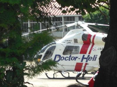 待機する「ドクターヘリ」1