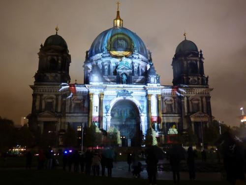 k-Berliner Dom beleuchtet beim Festival Of Lights (1)