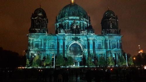 k-Berliner Dom beleuchtet beim Festival Of Lights (11)