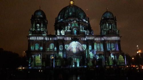 k-Berliner Dom beleuchtet beim Festival Of Lights (27)