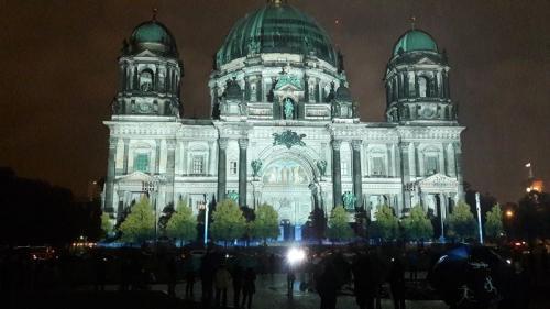 k-Berliner Dom beleuchtet beim Festival Of Lights (4)