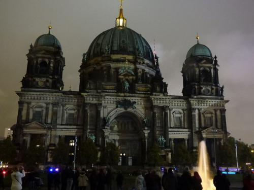 k-Berliner Dom beleuchtet beim Festival Of Lights (43)