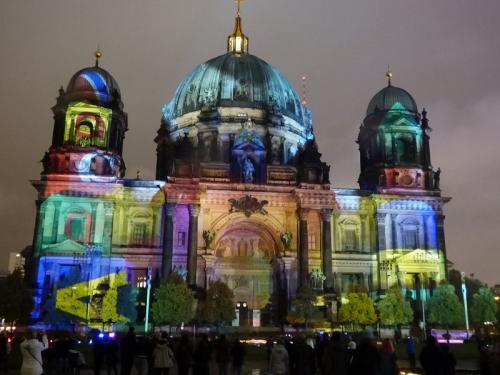 k-Berliner Dom beleuchtet beim Festival Of Lights (44)
